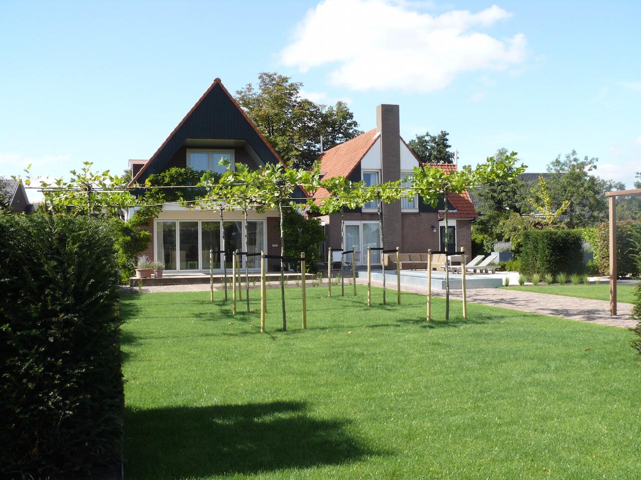 Landelijke tuin Aalsmeer   www vangenttuinen nl
